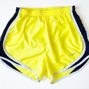 Nike | dri-fit athletic shorts | xsmall | preowned